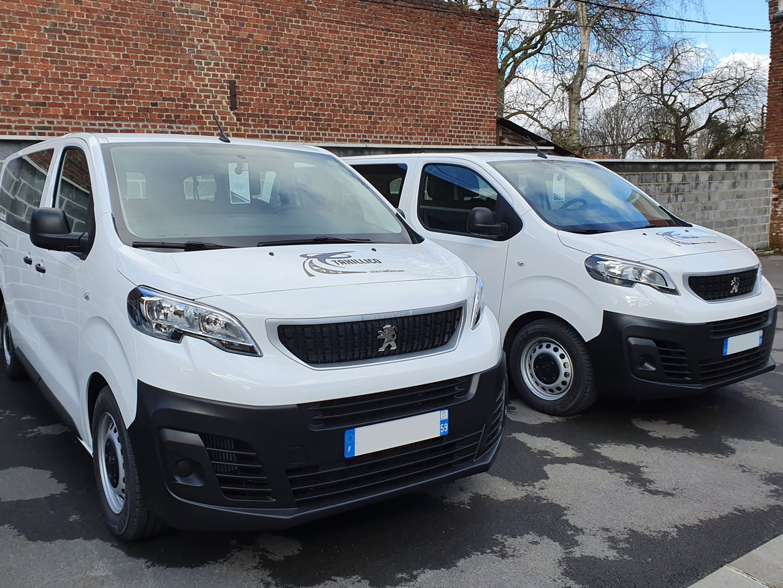 Peugeot Traveller Blanc & Noir
